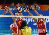 图文:奥运半决赛中国女排VS巴西 网上很强大