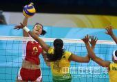 图文:奥运半决赛中国女排VS巴西 赵蕊蕊比赛中