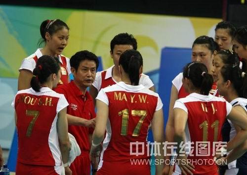 图文:奥运半决赛中国女排VS巴西 陈忠和讲