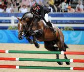 图文:马术场地障碍个人赛决赛 挪威骑手莫滕