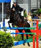 图文:马术场地障碍个人赛决赛 瑞典骑手彼德