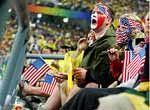 原创组图:女足美国VS巴西球场内意外事件