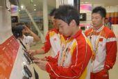 中国奥运体操冠军参观三星OR@S体验三星产品