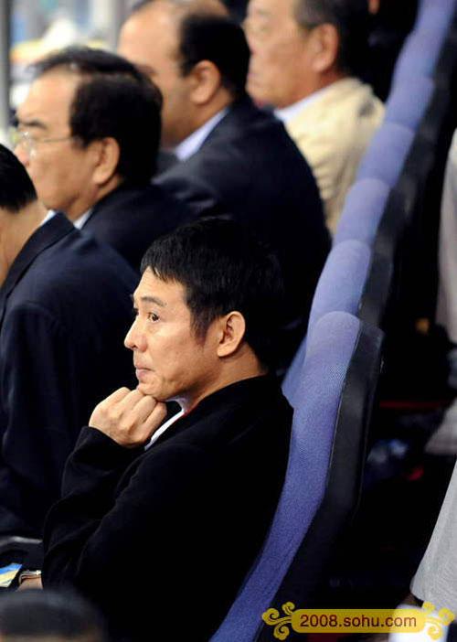 李连杰在北京奥体中心观看北京2008武术比赛