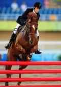 图文:现代五项女子马术障碍赛 德国选手莱娜