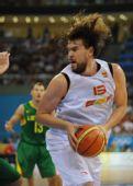 图文:男篮半决赛立陶宛VS西班牙 加索尔突破