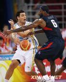组图:男篮半决赛美国胜阿根廷 詹姆斯VS斯科拉