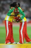 图文:女子5000米颁奖仪式 埃塞俄比亚迪巴巴