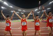 图文:中国队征战男子4X100米接力决赛 众选手