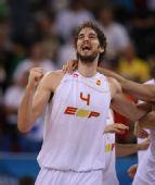 图文:男篮半决赛西班牙队晋级决赛 加索尔狂喜
