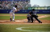 图文:棒球美国队获得季军 尼克斯准备击球