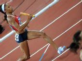 图文:女子4x400米决赛美国队夺金 加速前进