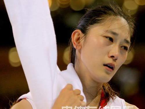 图文:篮球中国不敌俄罗斯获第四 失落的隋菲菲