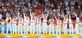 图文:女篮颁奖仪式 俄罗斯队队员在颁奖仪式上