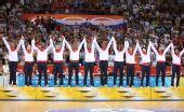 图文:女篮颁奖仪式 美国队队员在颁奖仪式上