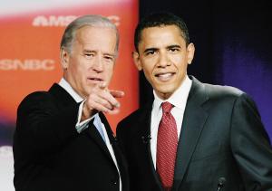 拜登(左)和奥巴马在一起。