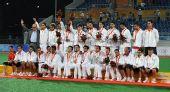 图文:男子曲棍球颁奖仪式 亚军西班牙球员教练