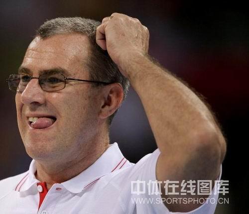 图文:女篮中国81比94俄罗斯 马赫直烦恼
