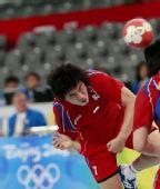 图文:男子手球7-8名排名赛丹麦胜韩国 政秀泳