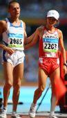 图文:男子马拉松赛况 意大利的选手斯特凡诺
