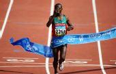 图文:男子马拉松赛况 肯尼亚塞缪尔夺得金牌