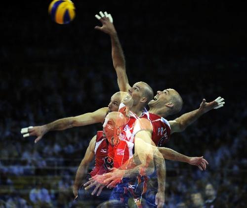 排球扣球图片 排球扣球手型图片,排球扣球动作图解 ...