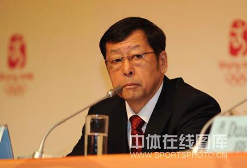 图文:中国军团新闻发布会 副团长崔大林