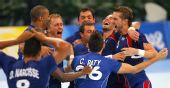 图文:手球男子决赛法国夺冠 庆祝胜利