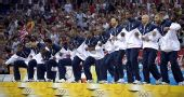 图文:奥运决赛美国VS西班牙 活泼的美国队员
