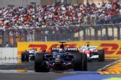 图文:[F1]欧洲大奖赛正赛 维特尔在比赛中