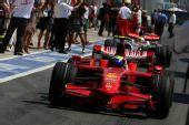 图文:[F1]欧洲大奖赛正赛 马萨凯旋归来