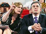 组图:英国首相布朗和夫人观看闭幕式