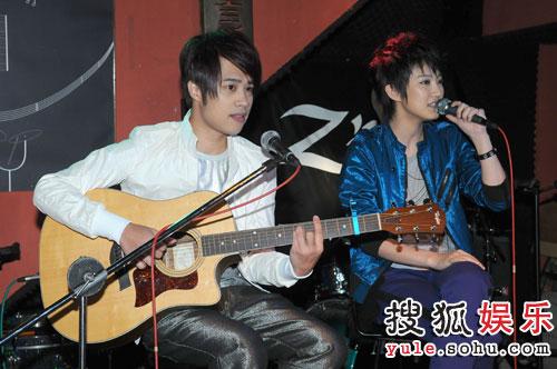 TANK为刘力扬吉他伴奏