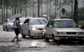 组图:济南突降暴雨紧急发布暴雨雷电橙色预警