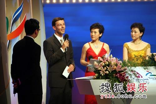 一汽-大众奥迪销售事业部总经理安世豪先生在第四届北京2008年奥运会歌曲征集评选活动启动仪式上致词