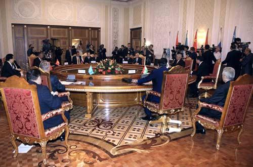上海合作组织成员国元首理事会第八次会议