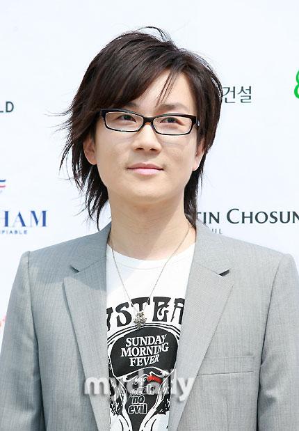 徐太志出席在首尔德寿宫举行的交响乐发布会