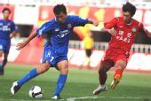 图文:[中超]陕西2-1河南 王鹏比赛中进攻
