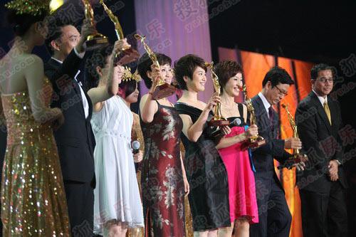 获得优秀电视节目主持人的六位主持