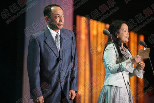 孙海英笑称被吕丽萍传染感冒 不能多说话