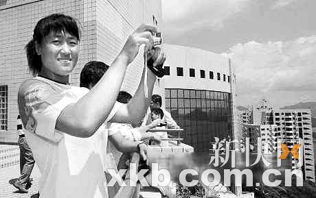 张杨杨8月30日参观香港科大。(资料图片)