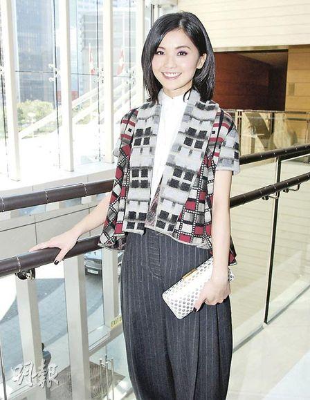 蔡卓妍渴望到巴黎工作,但一直未能如愿,希望有电影公司于当地开戏