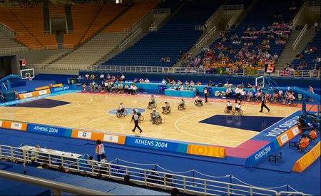 残奥会轮椅篮球比赛的场地、器材、设施