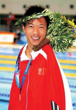 无臂游泳冠军感动中国