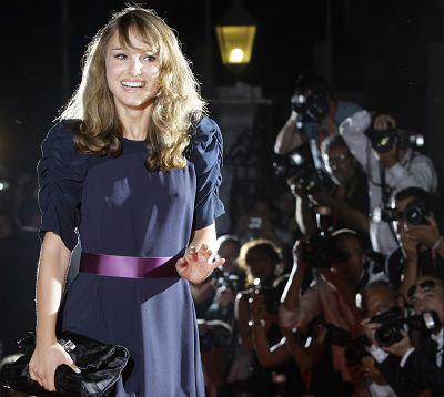 娜塔莉·波特曼揭幕威尼斯电影节短片单元