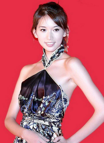图:2008年中秋晚会主会场主持人 林志玲