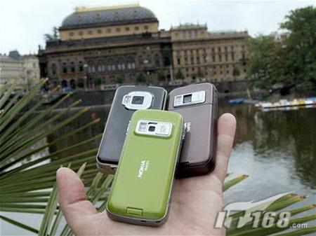 从左至右分别为:诺基亚N96/N85/N79