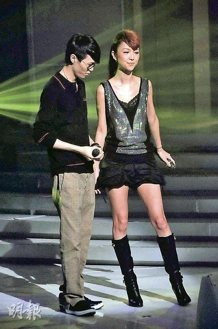 最新图片 薛凯琪与方大同一起表演