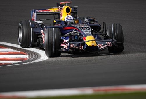 图文:F1比利时站第二次练习 库特哈德比赛中