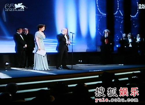 图:威尼斯电影节 最佳导演奖颁奖现场